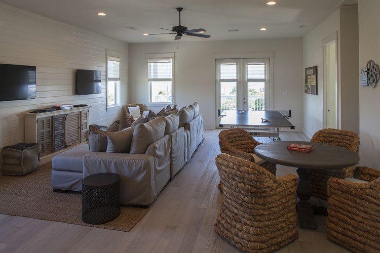 NEW LISTING: 2 Blocks to Gulf, Private Pool, Designer Interiors