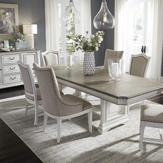 Luxurious dinning room sets