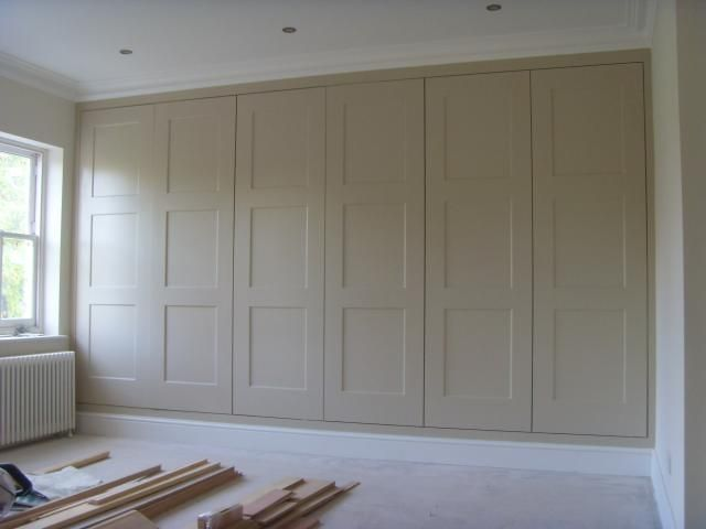 ADVANTAGES OF AN FITTED WARDROBE