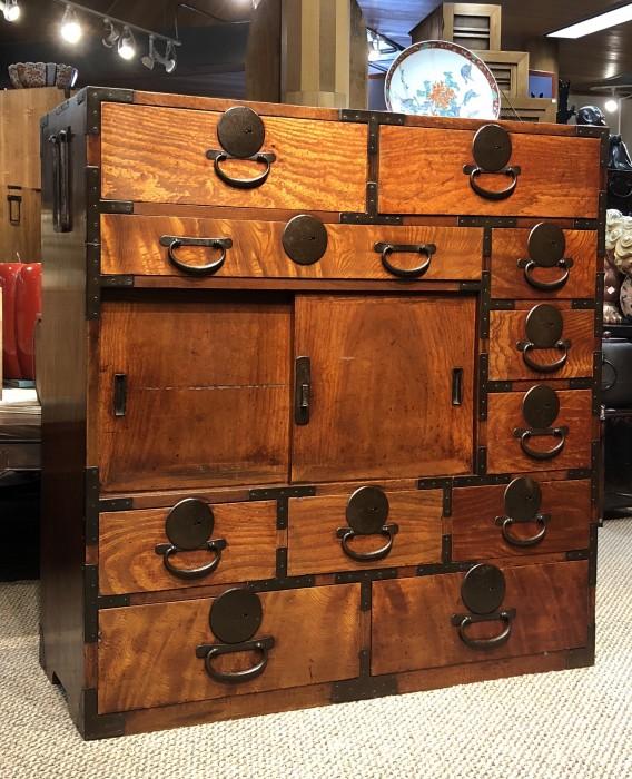 Japanese Merchant Tansu | Japanese Antiques Tansu & Furniture - Kuraya