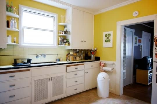 The Best Paint Finish for Kitchen Walls | Kitchn