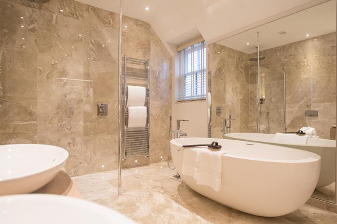 Perfect Luxury Bathroom 690 x 690