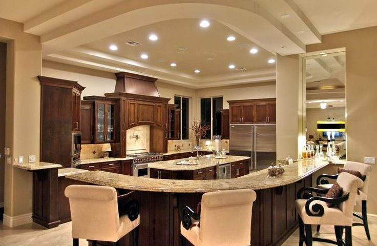 What are the key elements in a luxury kitchen?