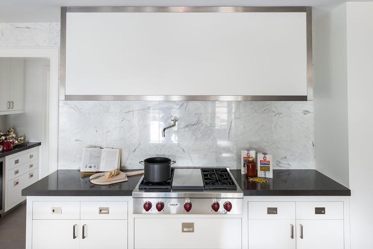 Square White Marble Tile Kitchen Backsplash - Contemporary - Kitchen