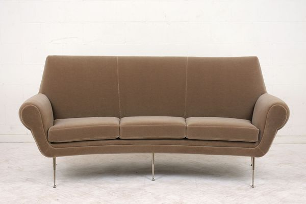 Italian Modern 3-Seater Curved Sofa, 1960s for sale at Pamono