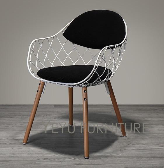Minimalist Modern Design Metal Steel Wire Chair with Solid Wooden
