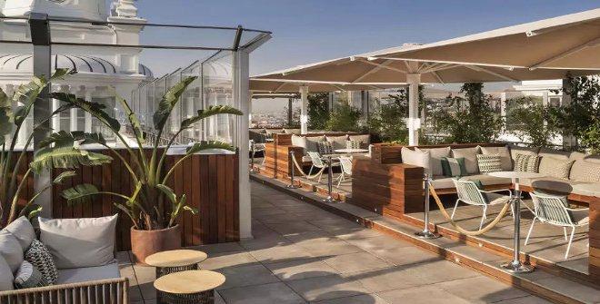 Outdoor Bars and Cafés