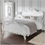 Older times with shabby chic bedroom   furniture