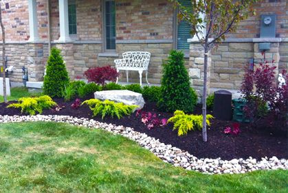 4 Simple Landscaping Ideas for a Dazzling   Yard