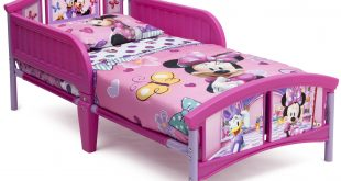 Delta Children Disney Minnie Mouse Plastic Toddler Bed, Pink