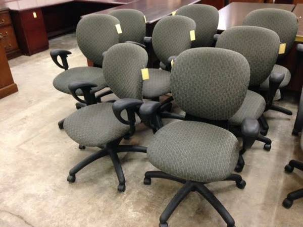 Used Office Furniture - OfficeMakers
