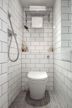 7 Great Ideas for Tiny Bathrooms | cool rooms | Wet rooms, Small wet