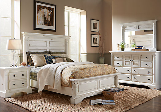 Claymore Park Off-White 8 Pc King Panel Bedroom - Traditional