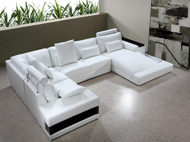 Diamond - White Leather Sectional Sofa with Lights Modern Furnishings
